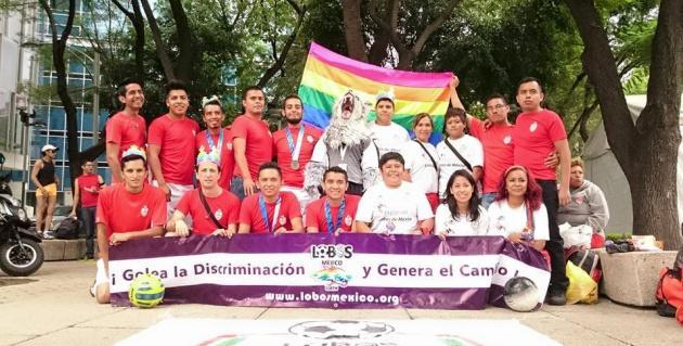 Lobos, el equipo que anota goles contra la homofobia en México